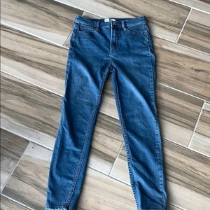 Free People high rise skinny jean. EUC. No stains